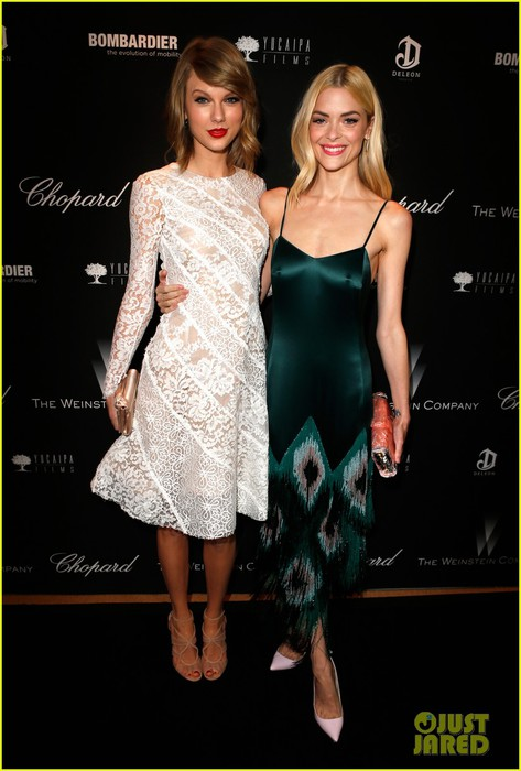 taylor-swift-jaime-king-pre-oscar-party-pals-14 (473x700, 75Kb)