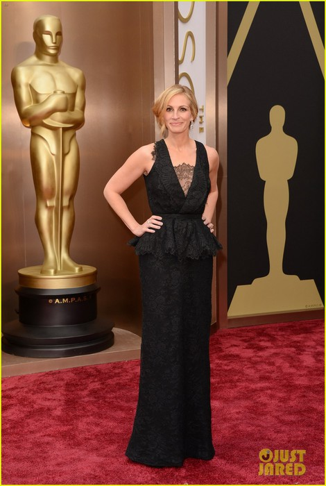 julia-roberts-oscars-2014-red-carpet-04 (470x700, 77Kb)