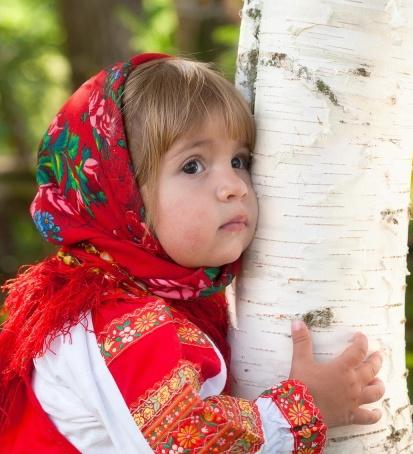 101877704_People_Children_The_girl_in_birch_033907_29 (413x454, 86Kb)