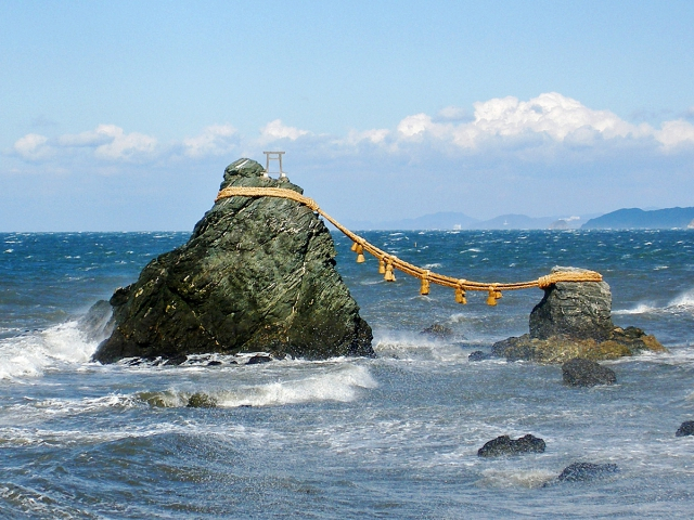 Скалы Моэто Ива япония 1 (640x480, 382Kb)