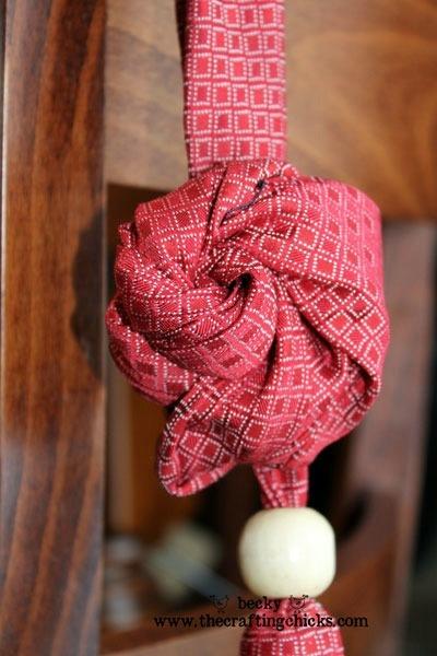 бусы из мужского галстука8 (400x600, 150Kb)