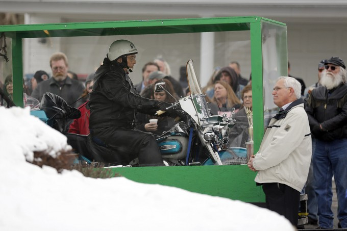 байкера похоронили на мотоцикле 5 (680x453, 194Kb)
