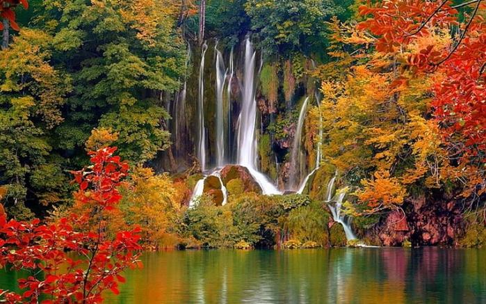 Beautiful Waterfall (700x437, 318Kb)