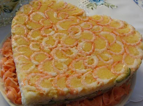 закусочный торт-суши