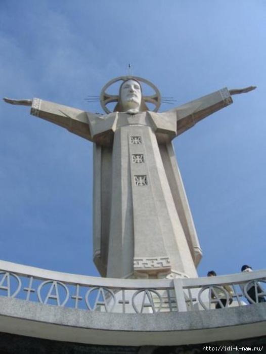 Статуя Иисусу во Вьетнаме,/4682845_d4dbd326cb6a425cbbb1f279b5e3531b (526x700, 122Kb)