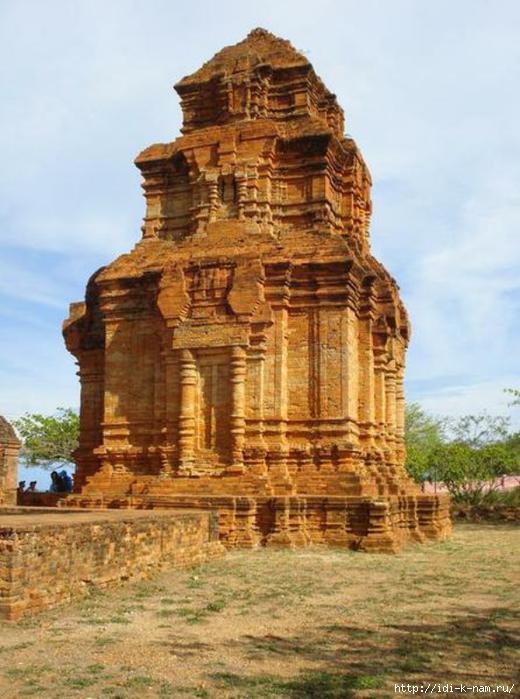 Башни Чамов, достопримечательности Вьетнама, что можно посмотреть во Вьетнами, культурно-исторические ценности Вьетнама,