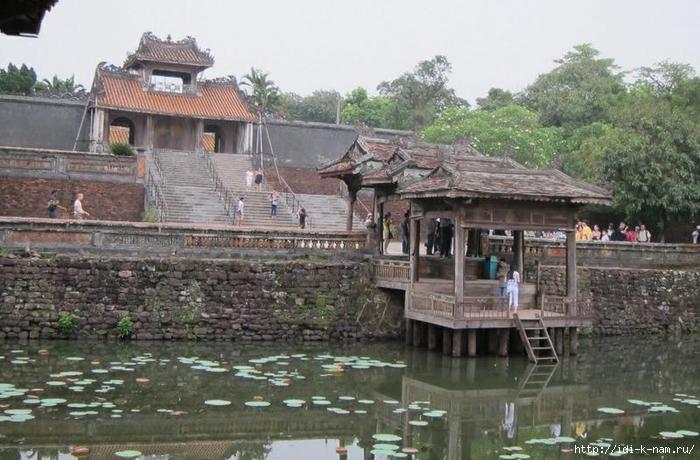 достопримечательности Вьетнама, что можно посмотреть во Вьетнами, культурно-исторические ценности Вьетнама, Гробница императора Ты Дыка