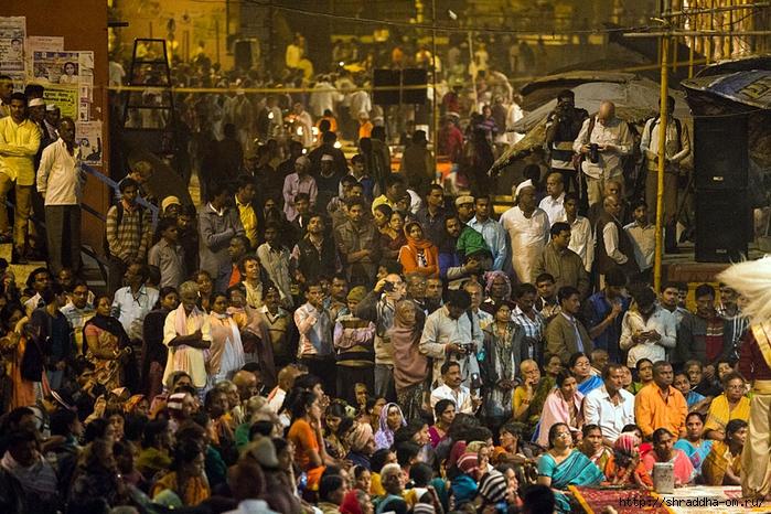 India Varanasi Arati 2014 (02) (700x466, 378Kb)
