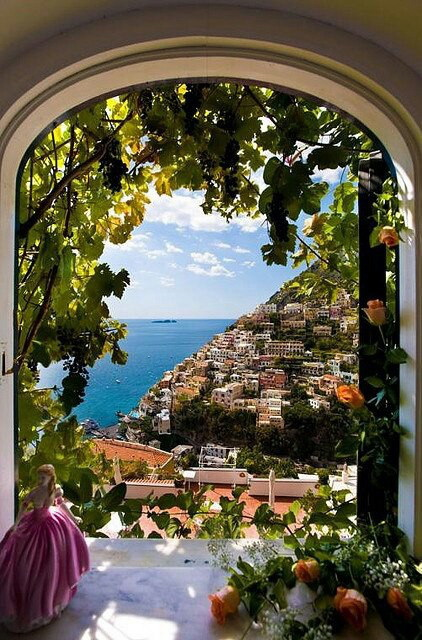 01-Window View, Positano, Italy (422x640, 135Kb)