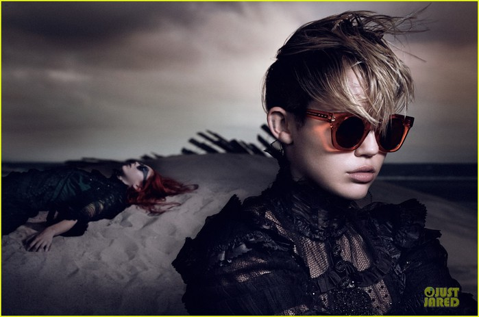 miley-cyrus-pouts-for-marc-jacobs-spring-2014-ad-campaign-02 (700x463, 70Kb)