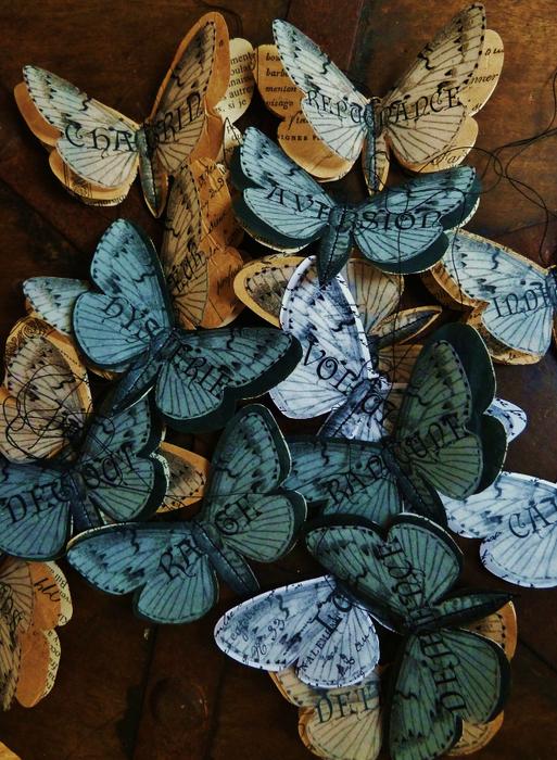 Бабочки из журнальных страниц (5) (513x700, 510Kb)