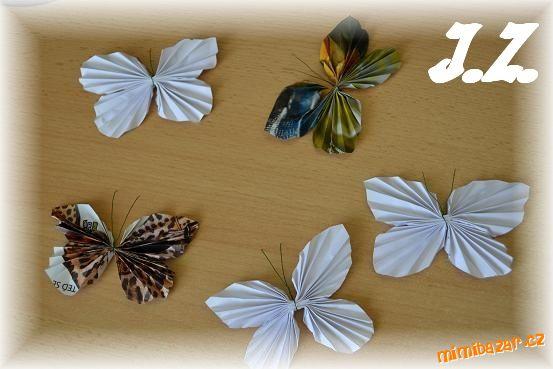 Бабочки из журнальных страниц (27) (553x369, 147Kb)