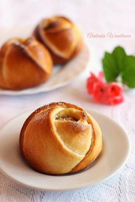 Дрожжевые сырные розочки. Рецепт красивой выпечки (8) (466x700, 263Kb)