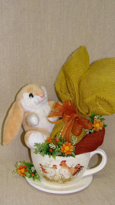 Кролик в чашке. Идеи пасхальных композиций (6) (393x700, 373Kb)