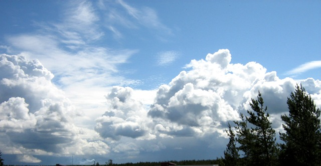 4208855_Clouds (640x331, 56Kb)