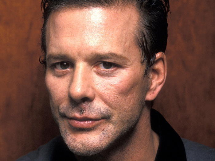 021_mickey_rourke_theredlist (700x525, 105Kb)