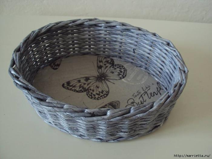 Плетение из газет. Корзинка для пасхальных яиц. Мастер-класс (11) (700x525, 188Kb)