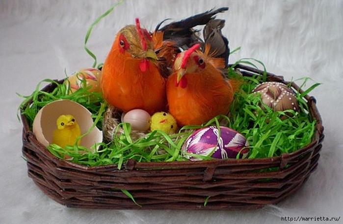Плетение из газет. Корзинка для пасхальных яиц. Мастер-класс (13) (700x458, 232Kb)
