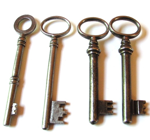 My_New_Antique_Keys__part_2_by_sojourncuriosities (517x480, 165Kb)