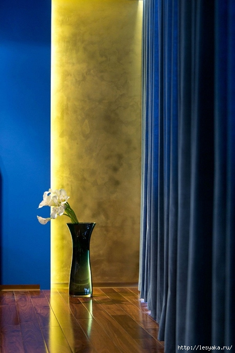 Interior-walls-design-ideas-plaster-in-yellow-blue-curtains (466x700, 206Kb)