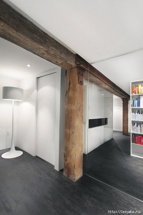 wall-design-ideas-wooden-pillar-rustic-style-Espace-Le-Moyne (466x700, 202Kb)