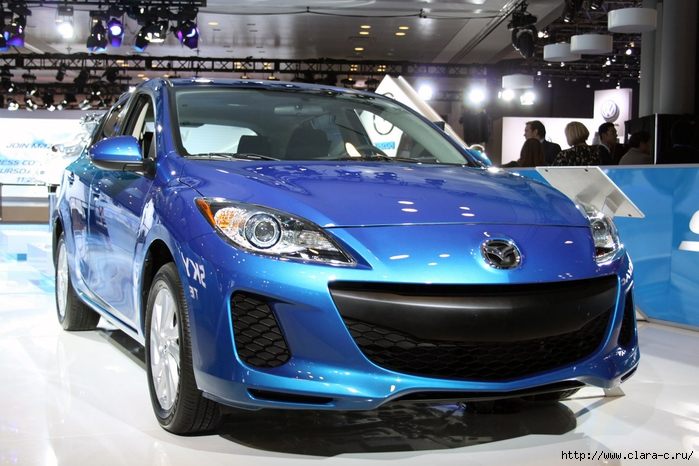 Mazda-3-SedГЎn-2012-6 (700x466, 275Kb)