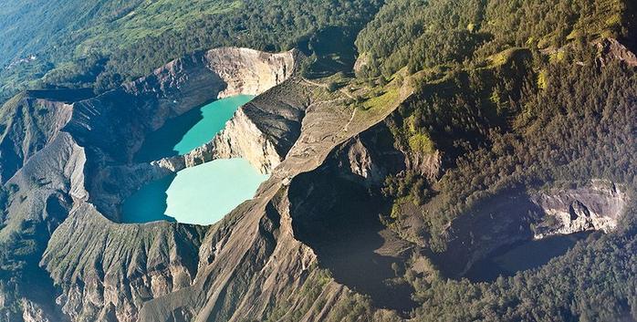 14. Индонезия, остров Флорес. Кратерные озера Келимуту (700x353, 353Kb)
