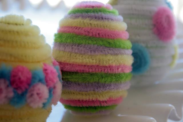 Пасхальные яйца из мохнатой - синельной проволоки (3) (640x427, 162Kb)