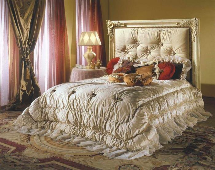 Как превратить кровать в главный элемент спальни (7) (700x554, 425Kb)
