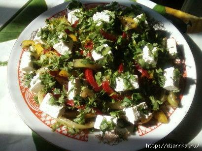Салат с болгарским перцем и брынзой (410x307, 111Kb)
