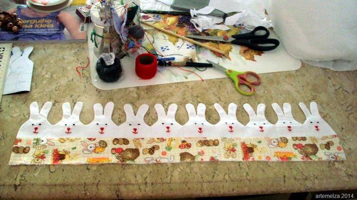 Текстильная корзинка из пасхальных зайцев. Мастер-класс (21) (700x393, 352Kb)
