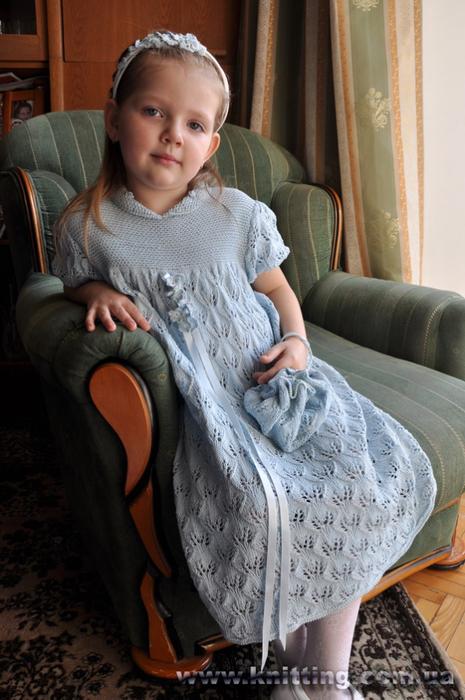 Незабудки крючком. Украшение для обруча и ленты в платье для девочки (2) (465x700, 364Kb)
