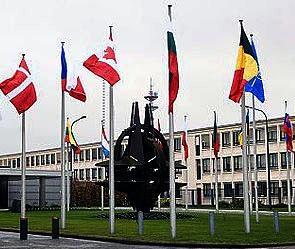 Брюссель - Украине закрыти НАТО (295x249, 43Kb)