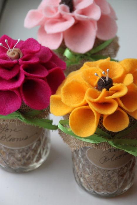 Цветы из фетра в украшении баночек (11) (466x700, 301Kb)