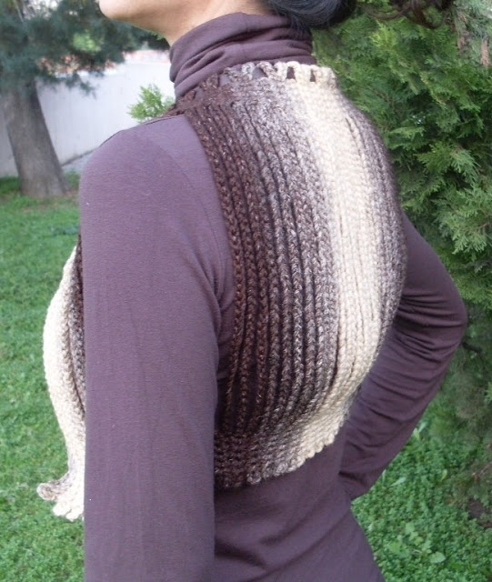 Crocheted Bolero, Shrug; made with chain lengths-I love this! (www.circulo.com.br) (saved as a .docx file on my laptop) -1c (541x640, 241Kb)