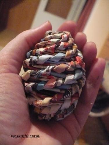 пасхальные яйца из газеты (8) (375x500, 121Kb)