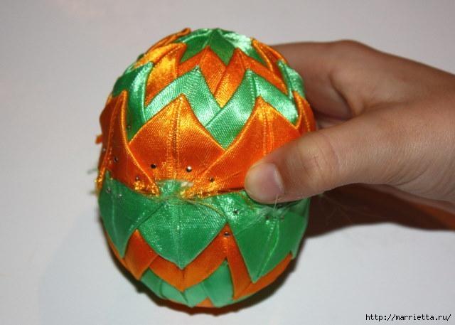 Пасхальные яйца из лент в технике АРТИШОК (17) (640x457, 111Kb)