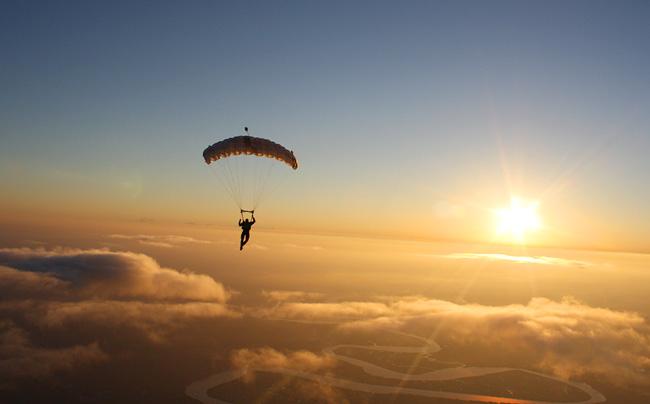прыжок с парашютом /4552399_ (650x404, 79Kb)