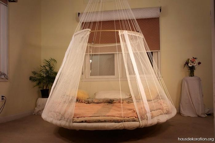 Необычная кровать2вв (700x466, 194Kb)