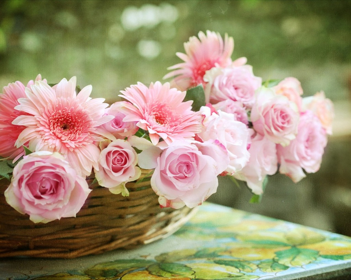 flowers_in_basket_06 (700x559, 402Kb)