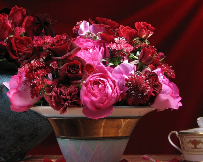 flowers_in_basket_23 (700x559, 418Kb)