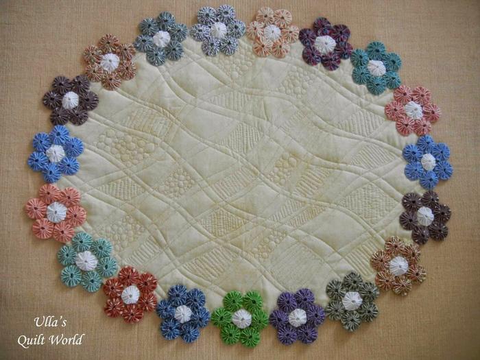 Цветочки Йо-Йо для пошива скатерти. Фото идея (2) (700x525, 395Kb)