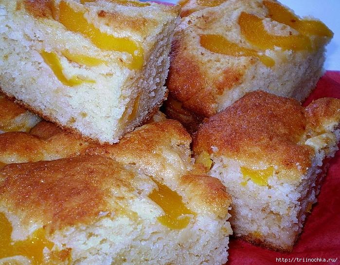 Легкий и пышный пирог, с ароматными персиками