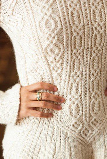 пуловер спицами араны (374x559, 211Kb)