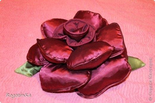 подушка-роза (1) (520x347, 99Kb)