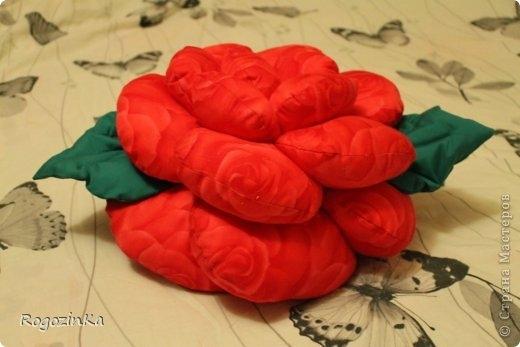подушка-роза (3) (520x347, 86Kb)