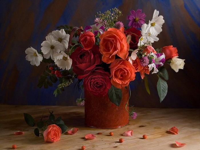 Фото цветов в натюрморте