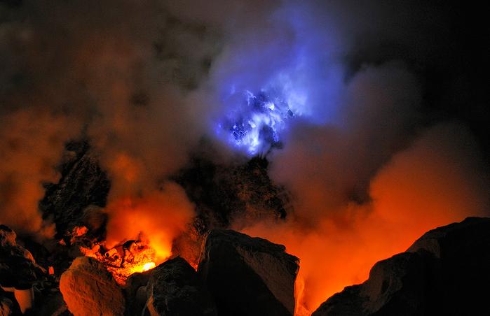 вулкан Кавах Иджен индонезия фото 9 (700x452, 320Kb)
