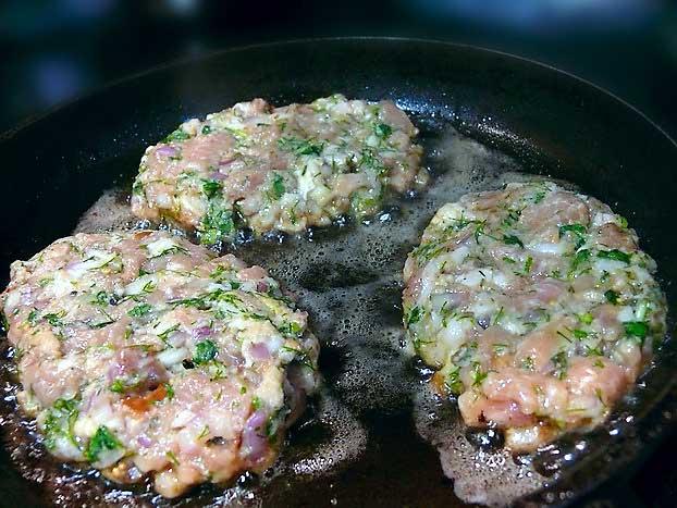 Три рецепта отбивных - в кляре, рубленые куриные и свиные (11) (622x467, 299Kb)