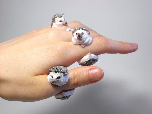 дизайнерские кольца из пластика 7 (639x479, 105Kb)